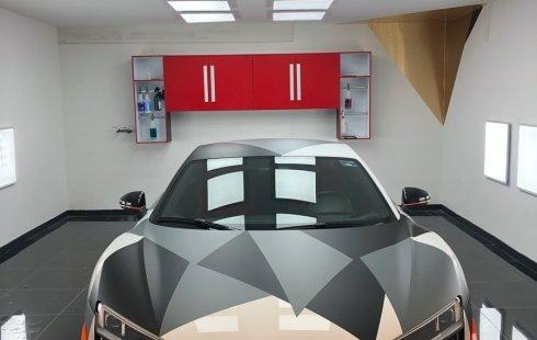 Pongo a la venta un Audi R8 en excelente condicción