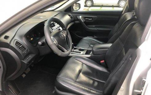 Se pone en venta un Nissan Altima