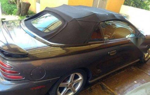Se vende un Ford Mustang 1995 por cuestiones económicas