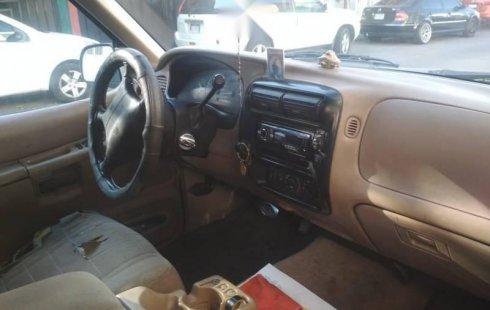 Un carro Ford Explorer 1997 en Aguascalientes