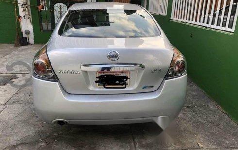 Pongo a la venta cuanto antes posible un Nissan Altima en excelente condicción a un precio increíblemente barato