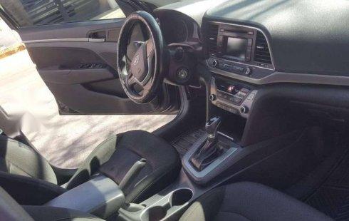 Quiero vender inmediatamente mi auto Hyundai Elantra 2018 muy bien cuidado
