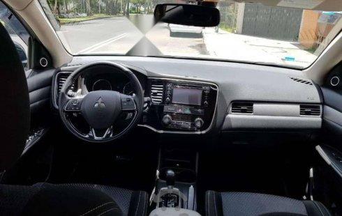 Se vende un Mitsubishi Outlander 2016 por cuestiones económicas