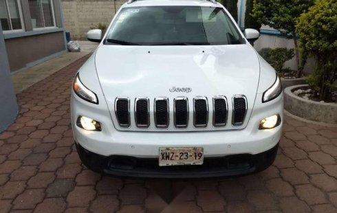 Quiero vender un Jeep Cherokee en buena condicción