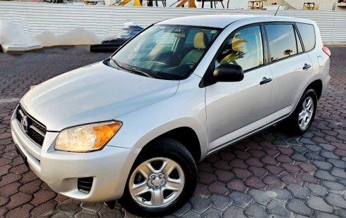 Quiero vender inmediatamente mi auto Toyota RAV4 2011 muy bien cuidado
