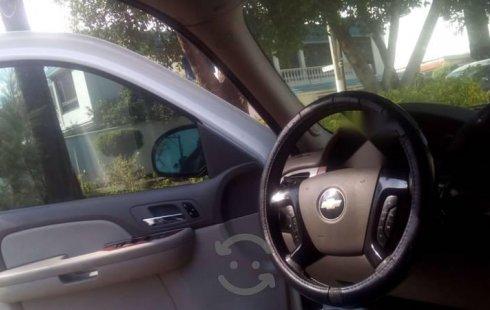 Quiero vender urgentemente mi auto Chevrolet Suburban 2008 muy bien estado