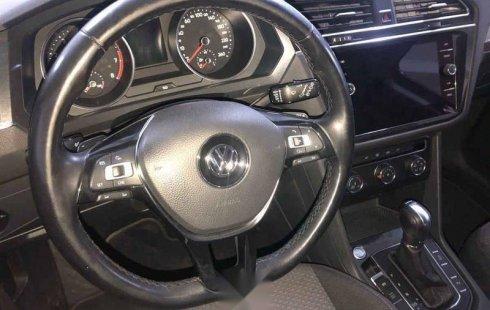 Quiero vender un Volkswagen Tiguan en buena condicción