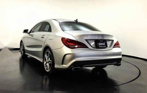 Un Mercedes-Benz Clase CLA 2016 impecable te está esperando