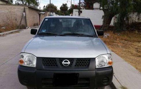 En venta un Nissan NP300 2014 Manual muy bien cuidado