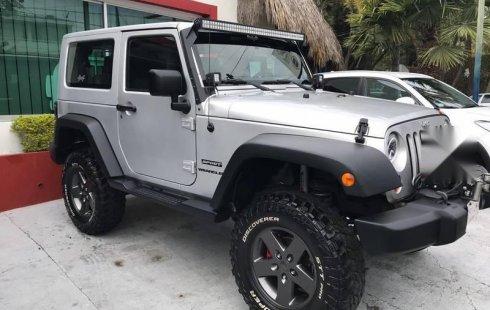 Quiero vender inmediatamente mi auto Jeep Wrangler 2011 muy bien cuidado
