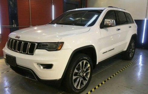 Quiero vender urgentemente mi auto Jeep Grand Cherokee 2020 muy bien estado