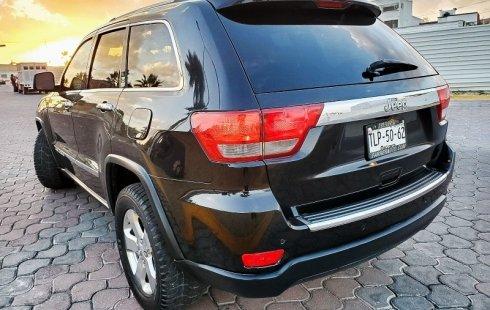 Se vende un Jeep Grand Cherokee 2011 por cuestiones económicas