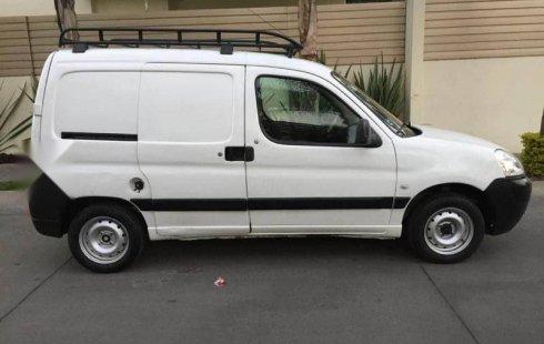 Pongo a la venta cuanto antes posible un Peugeot Partner que tiene todos los documentos necesarios