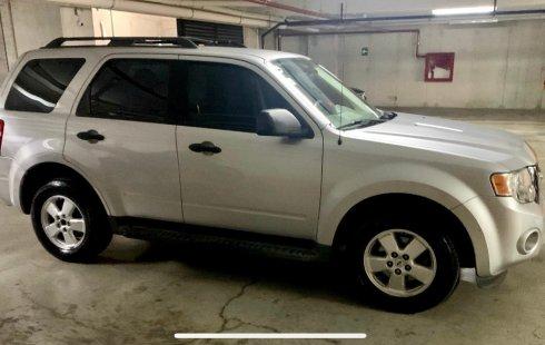 Vendo un carro Ford Escape 2010 excelente, llámama para verlo