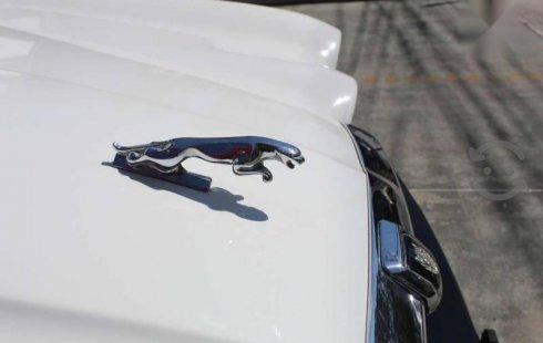 Jaguar XJ Automático