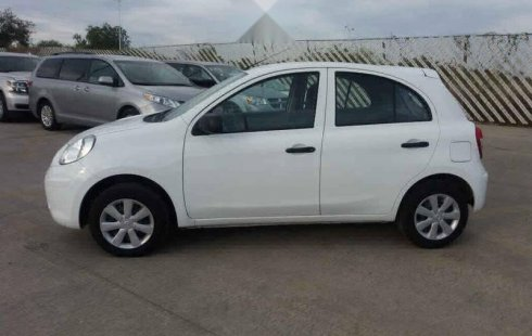 Se vende un Nissan March de segunda mano