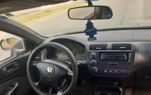 Vendo un carro Honda Civic 2004 excelente, llámama para verlo