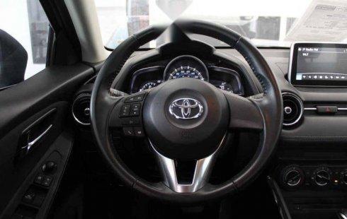Un carro Toyota Yaris 2016 en Querétaro