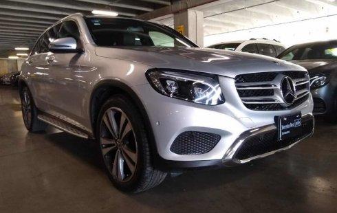 Vendo un carro Mercedes-Benz Clase GLC 2018 excelente, llámama para verlo