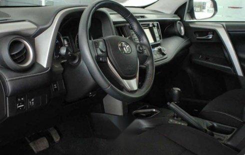 Vendo un Toyota RAV4 en exelente estado