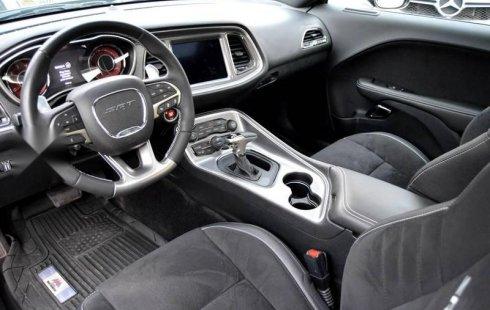 Un carro Dodge Challenger 2019 en Zapopan