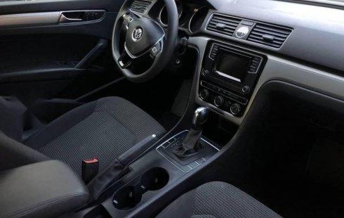 Quiero vender urgentemente mi auto Volkswagen Passat 2017 muy bien estado