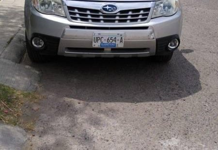 Quiero vender inmediatamente mi auto Subaru Forester 2011 muy bien cuidado