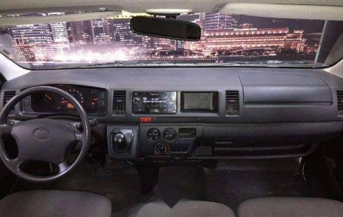 Se vende un Toyota Hiace 2018 por cuestiones económicas