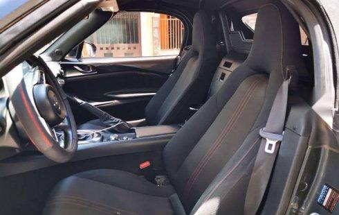Pongo a la venta un Mazda MX-5 en excelente condicción