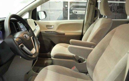 Toyota Sienna 2020 barato en Querétaro