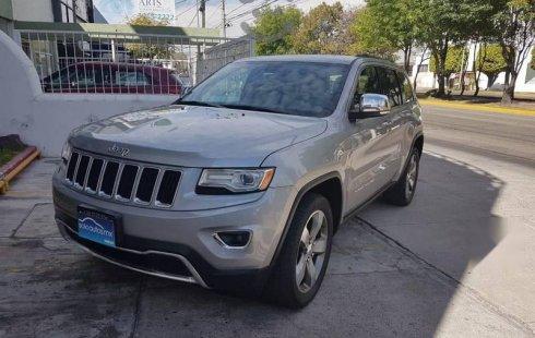 Quiero vender inmediatamente mi auto Jeep Grand Cherokee 2015