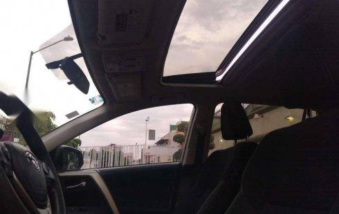 Quiero vender inmediatamente mi auto Toyota RAV4 2015 muy bien cuidado