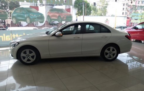 Vendo un Mercedes-Benz Clase C impecable