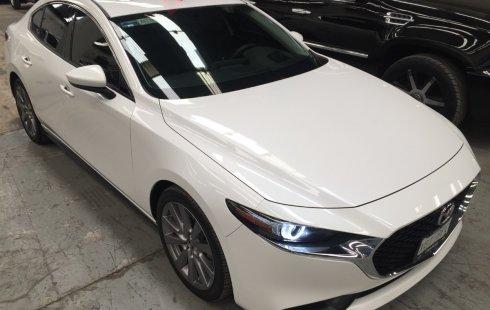 Vendo un carro Mazda Mazda 3 2019 excelente, llámama para verlo