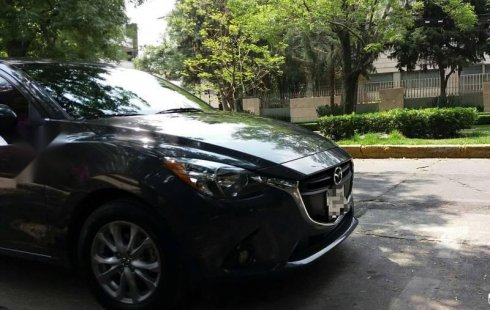 Pongo a la venta cuanto antes posible un Mazda Mazda 2 que tiene todos los documentos necesarios