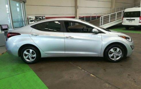Vendo un Hyundai Elantra impecable