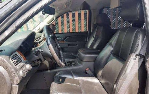 En venta un Chevrolet Suburban 2010 Automático muy bien cuidado