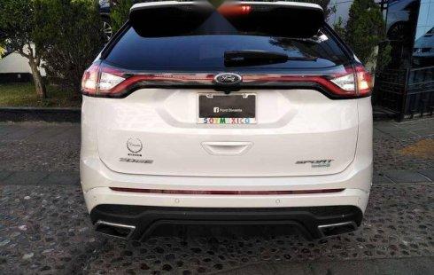 Un Ford Edge 2018 impecable te está esperando