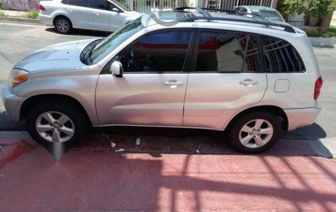 Quiero vender urgentemente mi auto Toyota RAV4 2000 muy bien estado