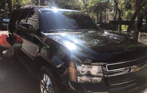 En venta un Chevrolet Suburban 2010 Automático en excelente condición