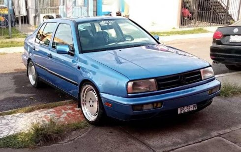 Quiero vender inmediatamente mi auto Volkswagen Jetta 1993
