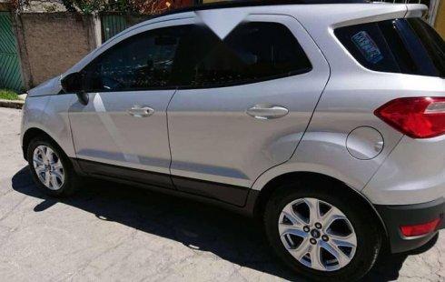 Un carro Ford EcoSport 2015 en Naucalpan de Juárez