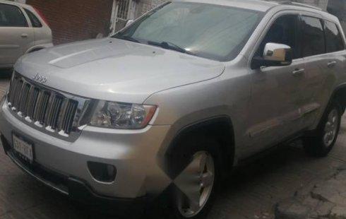 Quiero vender inmediatamente mi auto Jeep Grand Cherokee 2011
