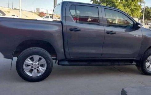 Quiero vender cuanto antes posible un Toyota Hilux 2016