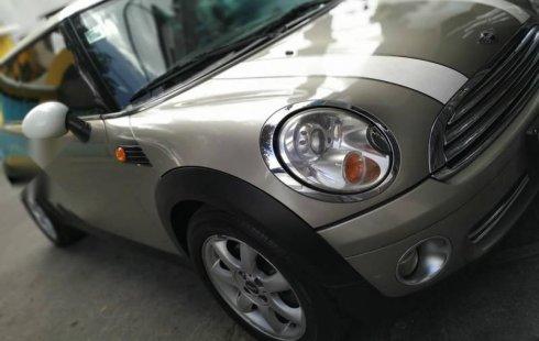 Un excelente MINI Cooper 2010 está en la venta