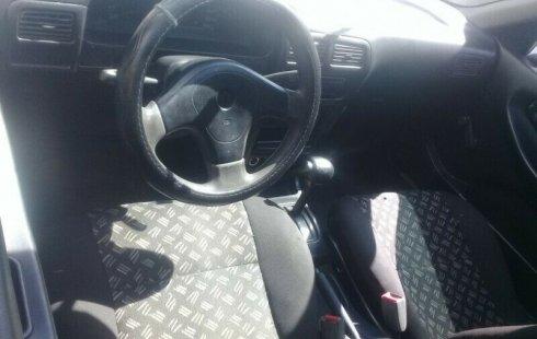 Quiero vender inmediatamente mi auto Nissan Tsuru 2006