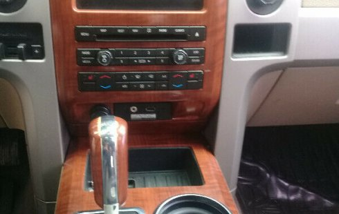 Ford Lobo 2010 impecable