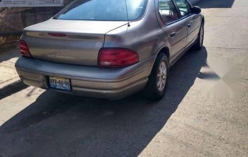 Coche impecable Dodge Stratus con precio asequible