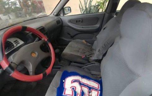 Urge!! Un excelente Nissan Tsuru 2002 Automático vendido a un precio increíblemente barato en San Nicolás de los Garza