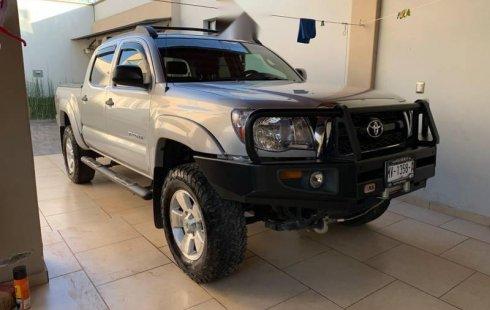 Se vende un Toyota Tacoma 2011 por cuestiones económicas